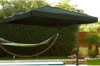 Parasol carré noir 3x3m en aluminium et pied excentré