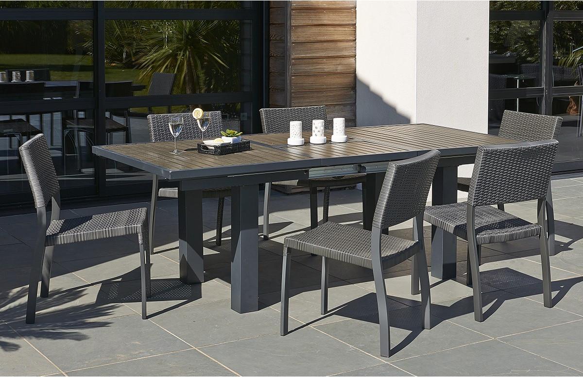 Ensemble table composite et 6 chaises en résine tressée