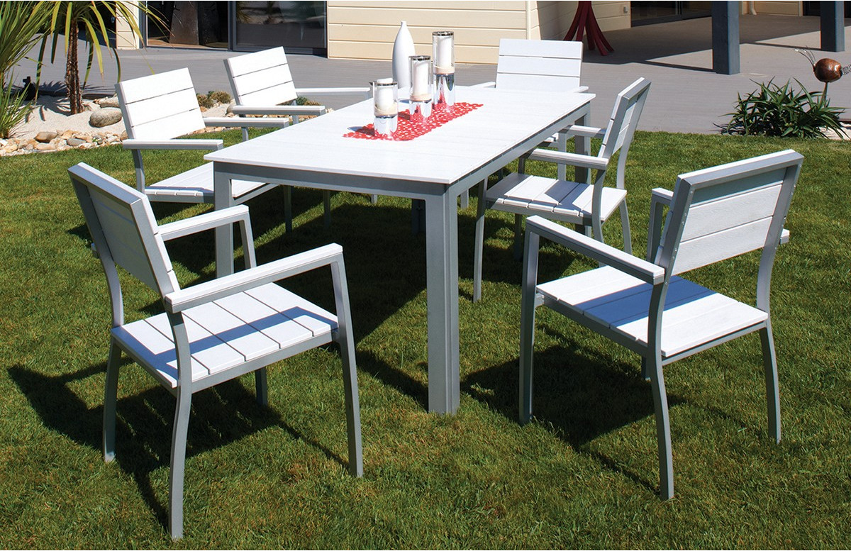 Table composite lames blanches