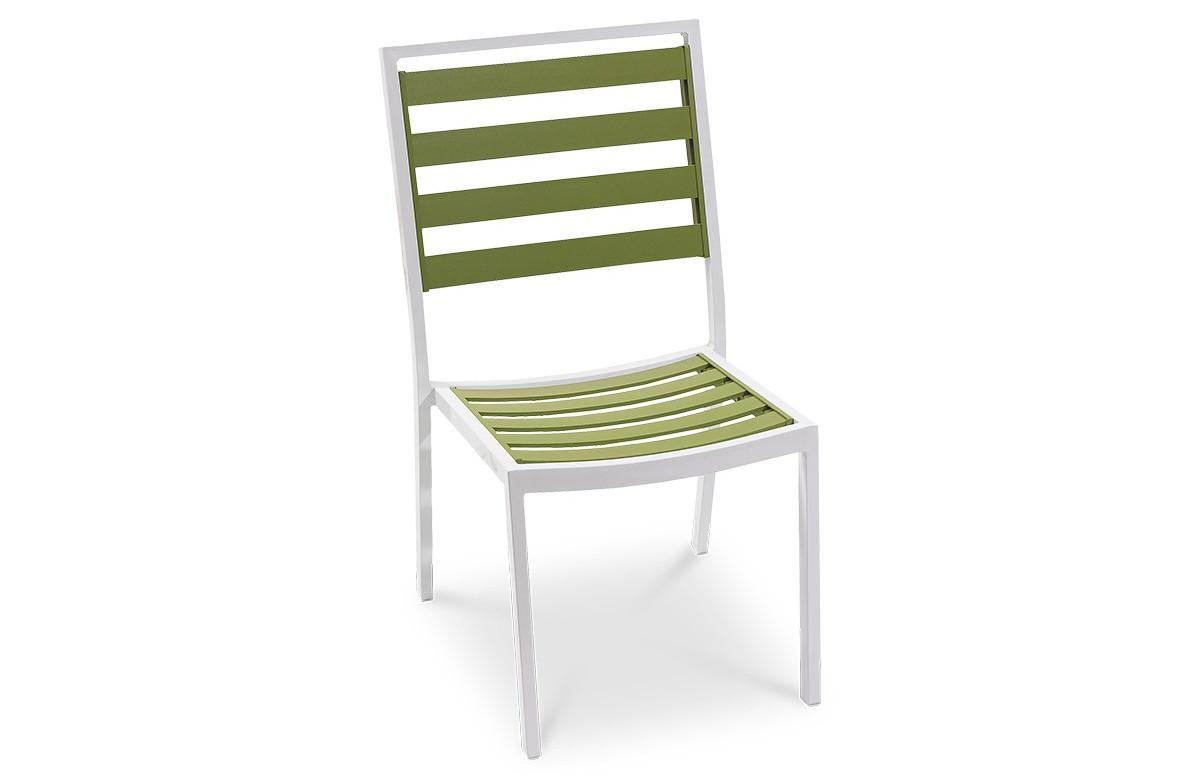 Chaise fixe verte et blanche