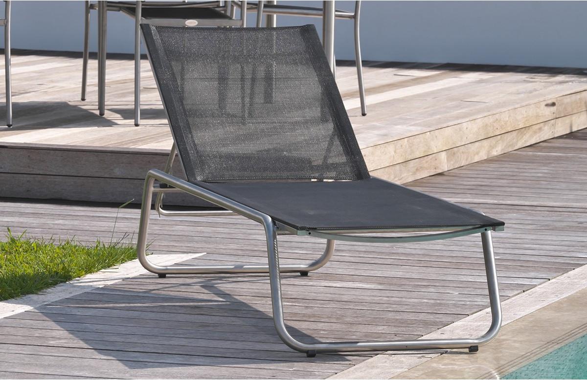 Chaise Longue en textilène noir et inox