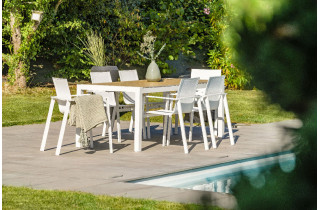 Ensemble table HELSINKI + 6 fauteuils coloris blanc