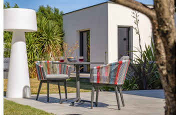 Ensemble table et chaises de jardin en aluminium et corde multicolore Paris Garden Alana