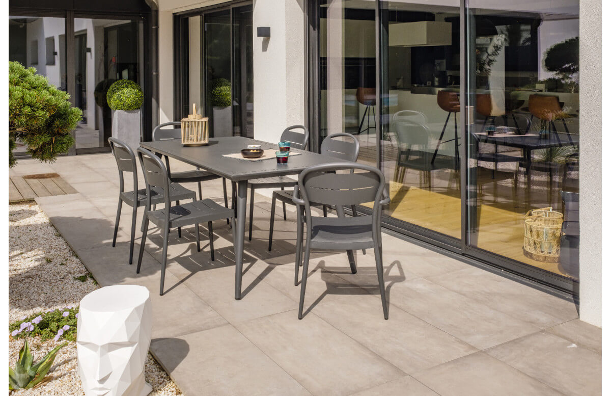Ensemble table et chaises de jardin en aluminium 6 personnes City garden anthracite MADELIA