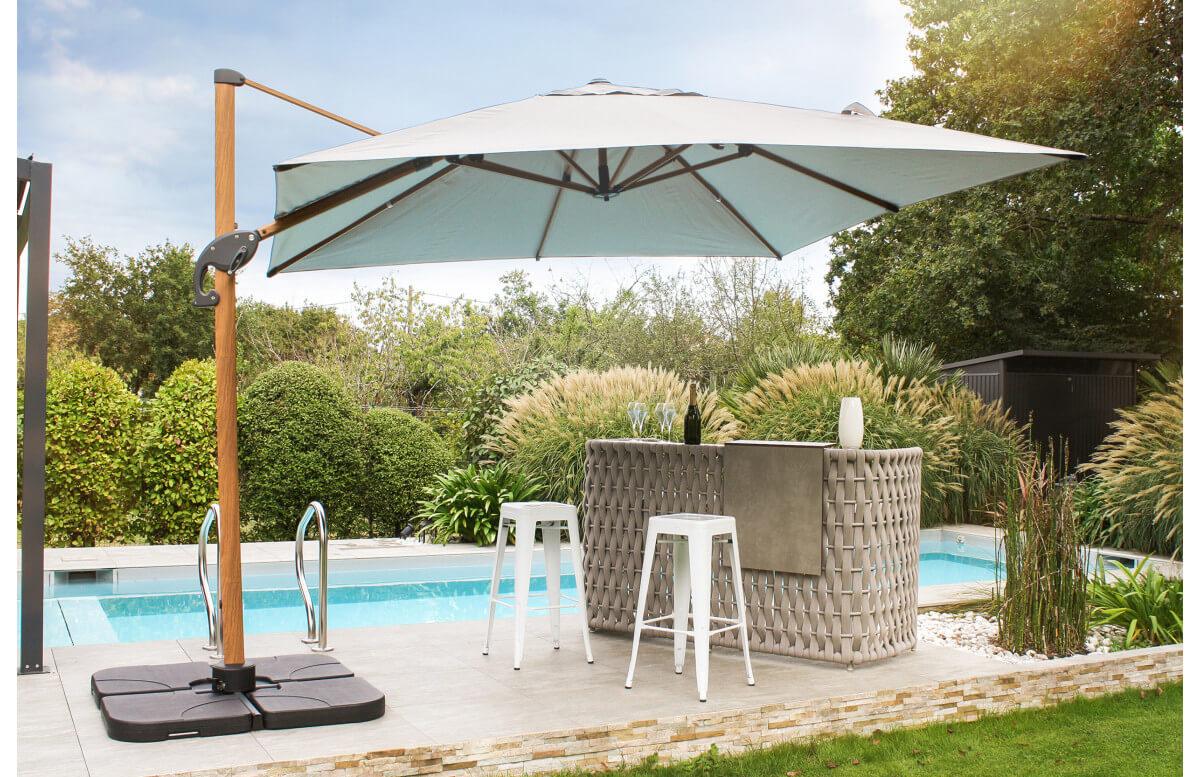 Parasol de jardin déporté inclinable imitation bois SEVILLA 2,5x2,5m en aluminium et toile polyester DCB GARDEN