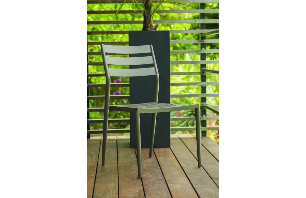 Chaise de jardin empilable GABIN en aluminium CITY GARDEN