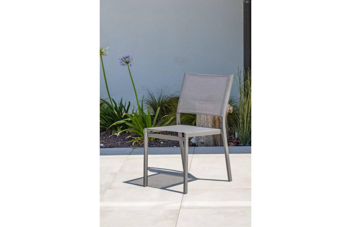 Chaise de jardin empilable STOCKHOLM en textilène noir et aluminium Anthracite DCB GARDEN