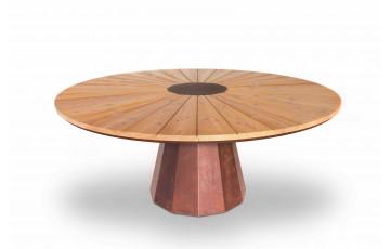Table de jardin ronde en corten bruni et bois de mélèze brossé à l'eau SPICA - TrackDesign par Alessandra Savio