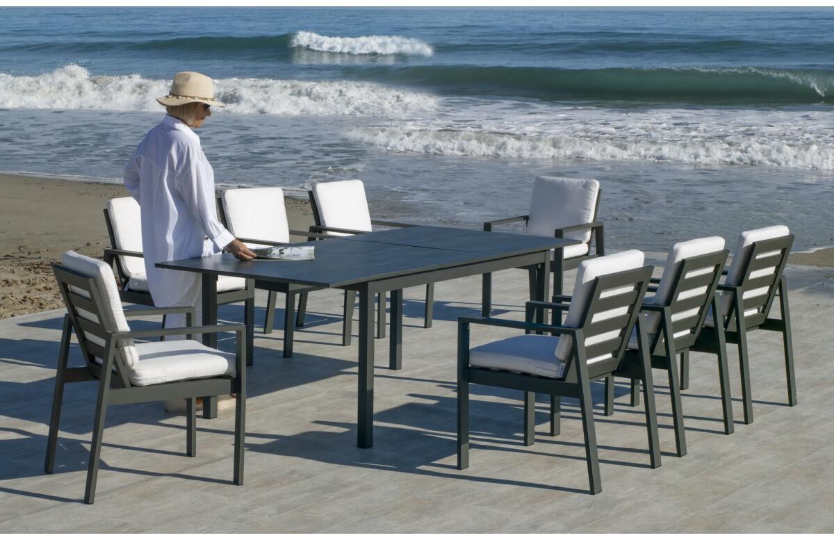 Ensemble table et fauteuils de jardin extensible 8 personnes en aluminium et HPL - Palma camelia - anthracite - Hevea