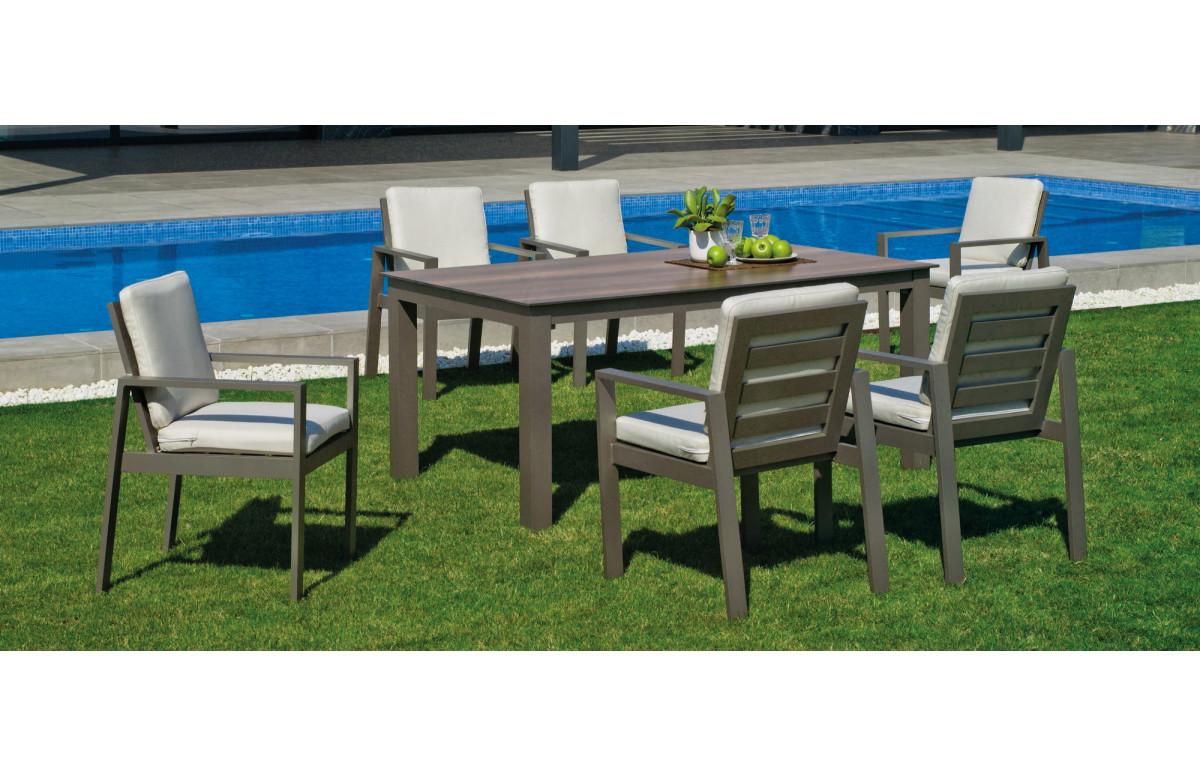 Ensemble table et fauteuils de jardin 6 personnes en aluminium et HPL - Camelia - champagne - Hevea