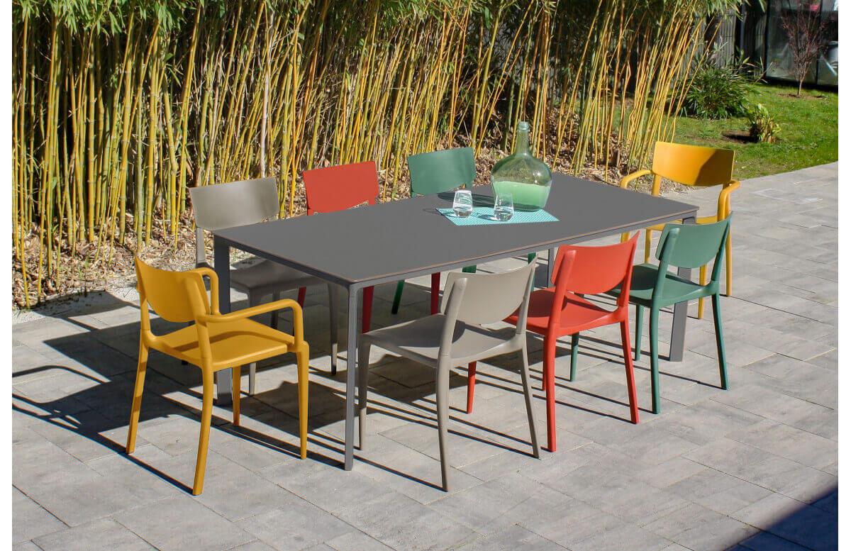 Nos tables et chaises extérieurs pour professionnels